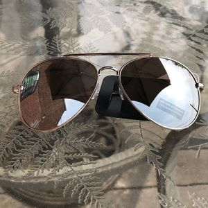 Gorgeous New York and Company sunglasses  NWT